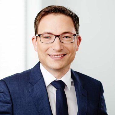 Dr. Claus Usener