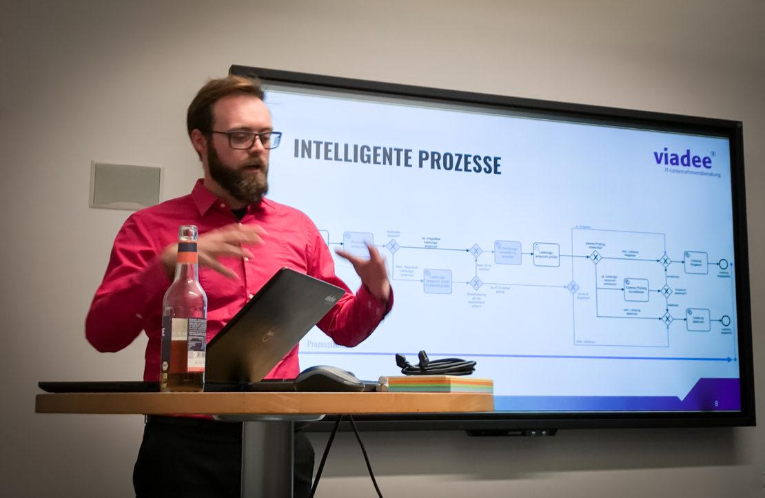 Benjamin Wolters erklärt die Prozess-Integration von KI-Komponenten