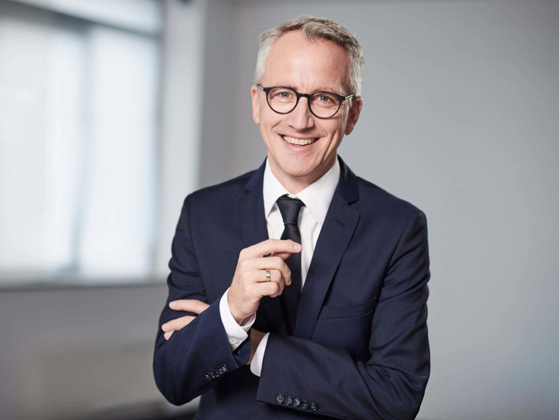 Dr. Volker Oshege – Mitglied des Vorstandes und Leiter Vertrieb