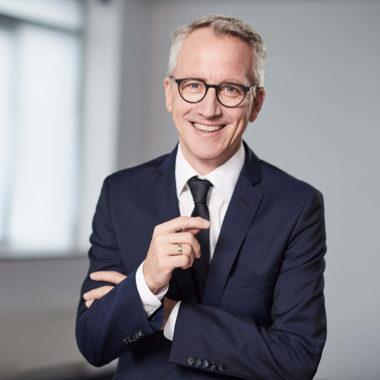 Dr. Volker Oshege <br>– Mitglied des Vorstandes und Leiter Vertrieb