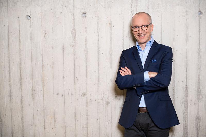 Dr. Volker Oshege – Leiter Vertrieb